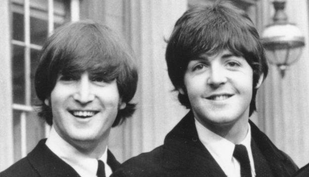 ohn Lennon y Paul McCartney