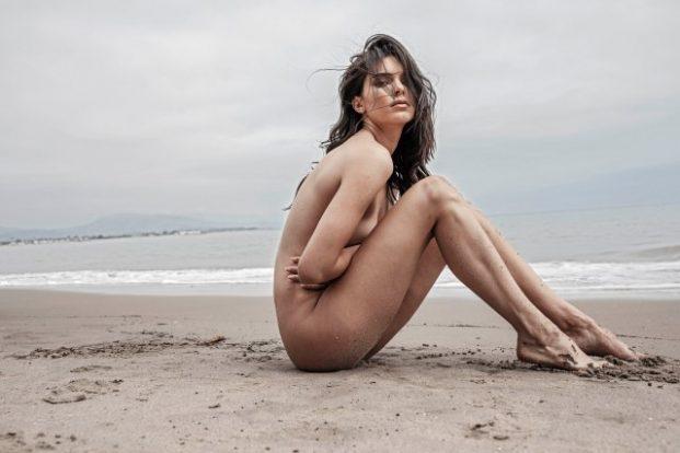 Kendall Jenner Deslumbro En Internet Con Sus Fotos Desnuda A Caballo