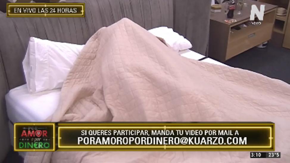 Ivan y Agostina bajo las sábanas