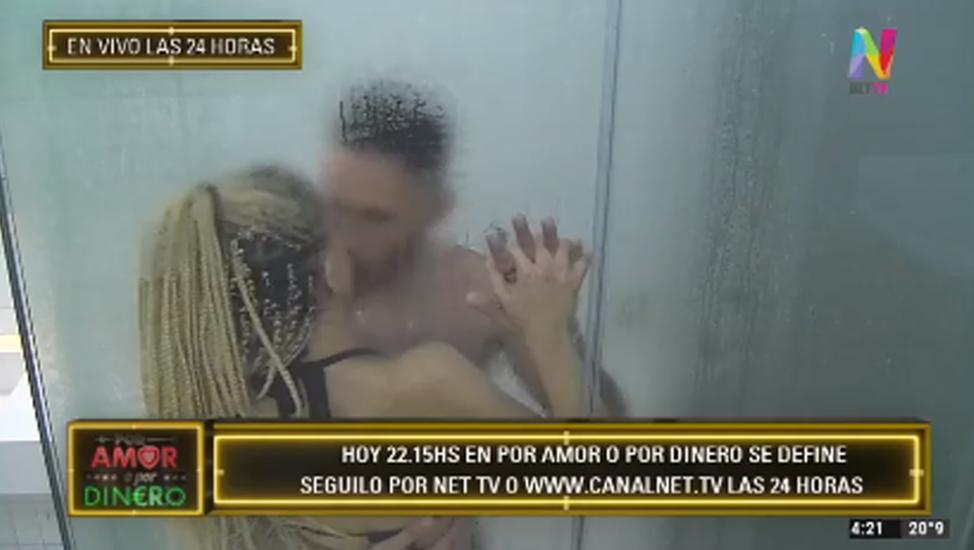 Samara y Facundo en la ducha