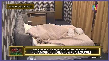 Vanesa y Tomás bajo las sábanas