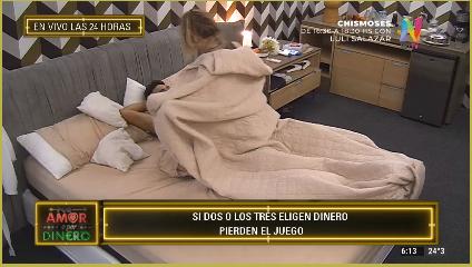 Katia y Jorge en la cama