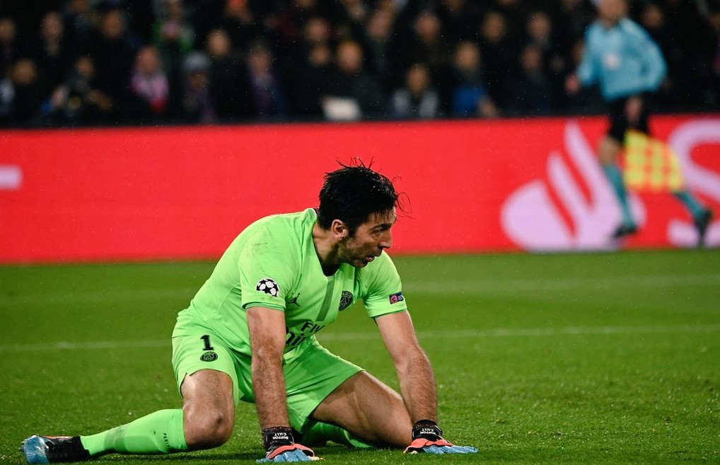 El error de Buffon que le dio vida a Manchester United
