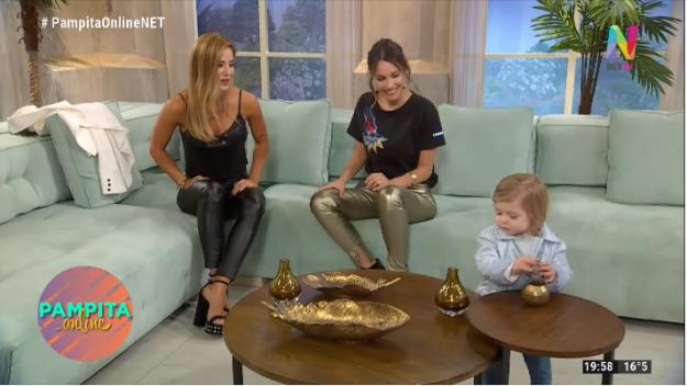 Jessica Cirio con su hija Chloe