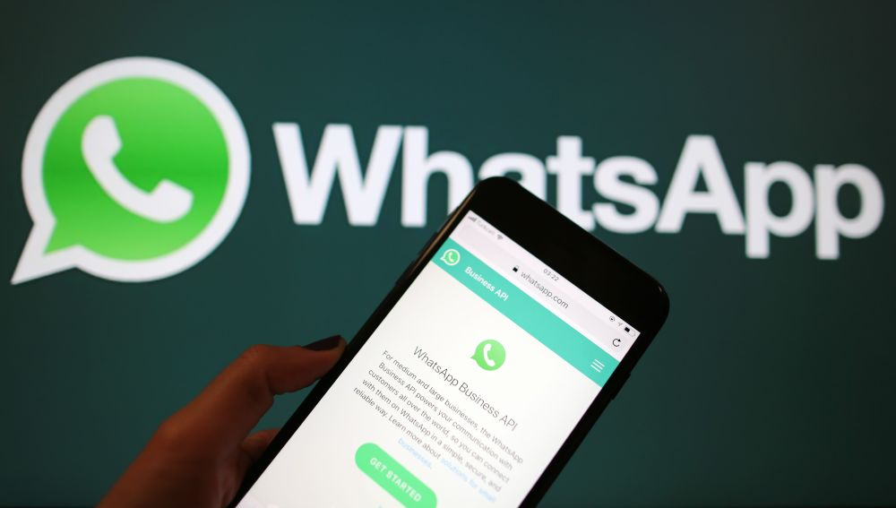 Learn how to recover deleted messages and complete WhatsApp