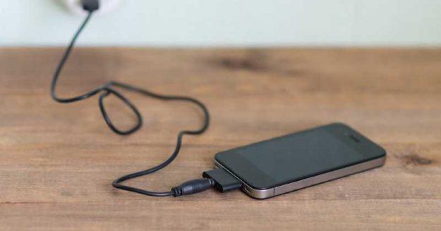electrocutada cargador celular