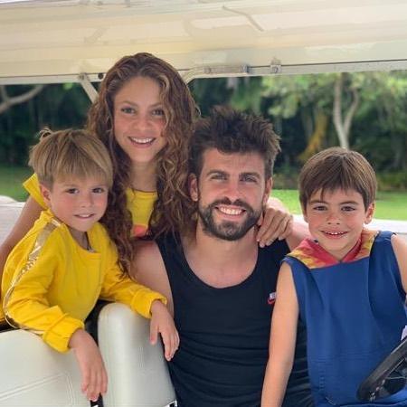 Fuertes críticas a Shakira y Piqué por salir a pasear con sus hijos sin barbijos