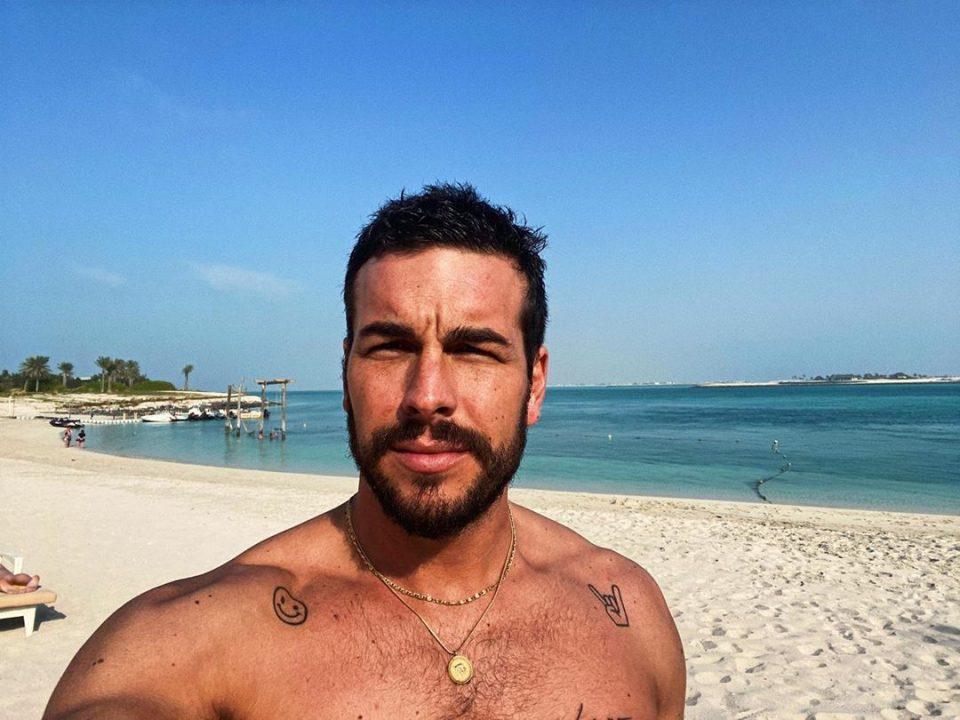 Mario Casas revoluciona las redes por un sensual baile junto a su hermano