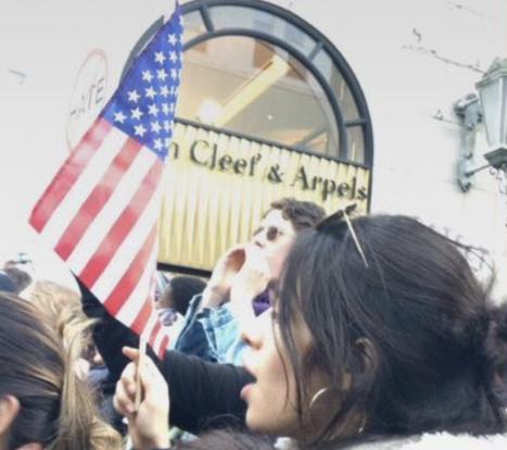 Camila Cabello en protesta