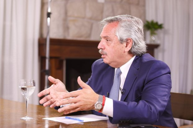 Alberto Fernández en Corea del Centro