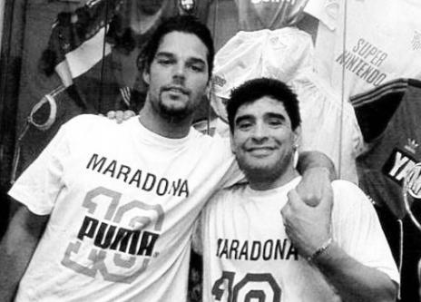 El sentido mensaje de Ricky Martin para Diego Maradona