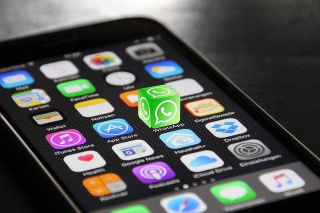 Iphone WhatsApp